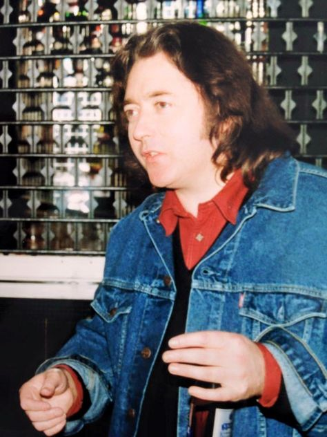 Photos en vrac - Page 5 002b085386cdef9742a15958cdd1fa7b--rory-gallagher
