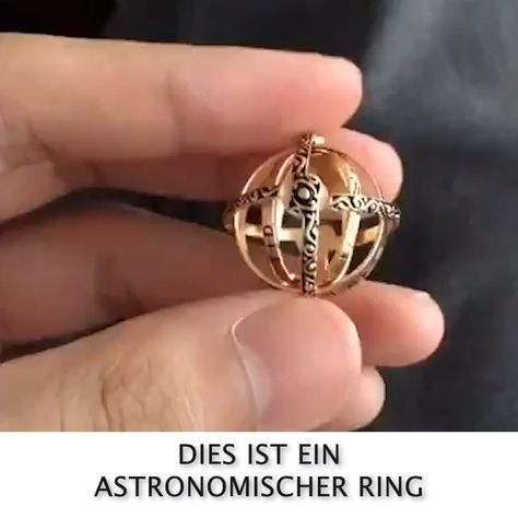 Romance from 500 years ago The entire universe at Finge-Romantik von vor 500 Jahren 😍 Das gesamte Universum am Finger tragen Based on a ring developed in Germany in the century, which has now been transformed into an astronomical ball 💍 -