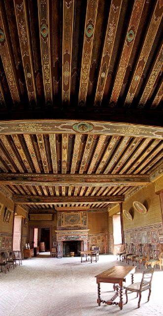 The Essence Of Frenchness Promenade A Gizeux Plafond Design Peindre Un Plafond Plafond Peint