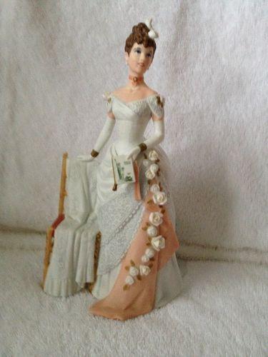 1986 Avon 'Mrs Albee Award' Porcelain Figurine