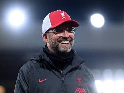 人気抜群のクロップ監督 サッカーの根源の喜びをかきたてるキャラクターと戦術 サッカー 戦術 クロップ