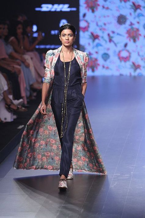 This summer is all about flowy long capes and puffy skirts. Check out all the favorite summer outfits from Lakme India Fashion Week Summer/Resort 2016
