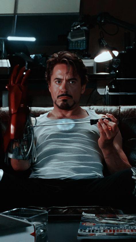 Tony Stark Lockscreen