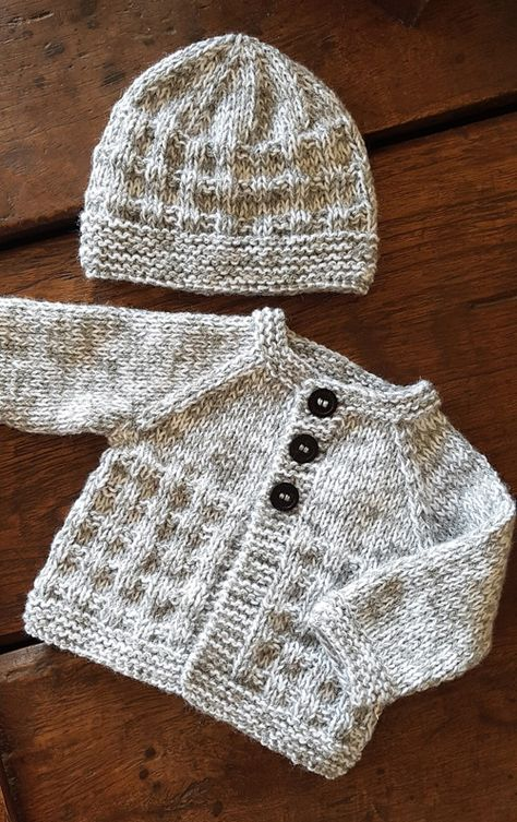 Boys Knitting Patterns Free, Baby Cardigan Knitting Pattern Free, Barbie Knitting Patterns, Baby Sweater Patterns, Knitted Baby Cardigan, Knit Baby Sweaters, Knitted Baby Clothes, Baby Hats Knitting, Knitting For Kids