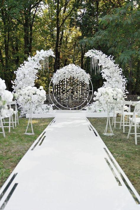 Wedding Backdrop Design, Outdoor Wedding Decorations, Engagement Stage Decoration, Wedding Backdrops, Ceremony Backdrop, Outdoor Ceremony, Wedding Mandap, Wedding Venues, Wedding Aisles