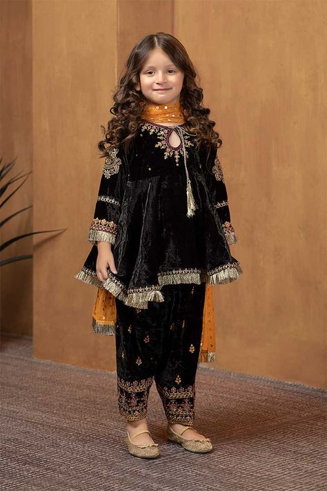 Pakistani designer Maria B shalwar kamee
