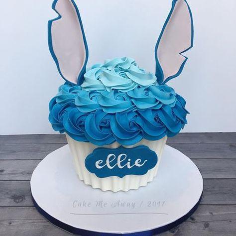 Ellie's Stitch inspired giant cupcake smash cake! 💙 cakemeaway… Ellie's Stitch inspired giant cupcake smash cake! 💙 cakemeaway Related posts: First Birthday Cake Smash Los Angeles Lilo And Stitch Cake, Lilo Und Stitch, Cupcake Smash Cakes, Giant Cupcakes, Cake Pops, Disney Cakes, Disney Desserts, Fashion Cakes, Cakes For Boys