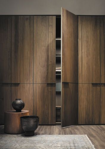 Moderner Kleiderschrank Holz Schwingturen Kyn By David Lopez