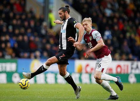 Burnley 1 Newcastle 0 in Dec 2019 at Turf Moor. Andy Carroll controls the ball #Prem