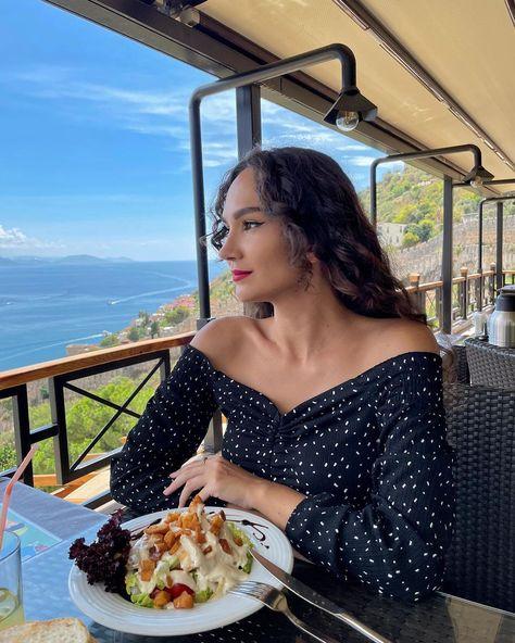 "Sveta Kom (@mereya9) posted on Instagram: ""Lunch with the view 🥗 - - #nofilter #turkey #alanya #travel #redlipstick #caesarsalad #curlyhair #wavyhair #style #streetstyle #ootd…"" • Sep 23, 2021 at 8:03am UTC"