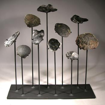 fossil stands displays