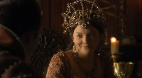 Natalie Dormer playing Anne Boelyn in The Tudors- costumes by Joan Bergin