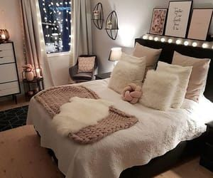 5 Ways To Spice Up Your Room On We Heart It Small Space Living Room Stylish Bedroom Design Room Ideas Bedroom