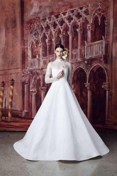 موديلات فساتين زفاف ملكية 2020 مجلة سيدتي شاهدي أجمل موديلات فساتين زفاف ملكية 2020 من توقيع أشهر الم Wedding Dress Necklines Wedding Dresses Bridal Dresses