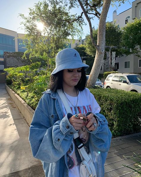 look how happy she is doing what she loves @maggielindemann #maggielindemann