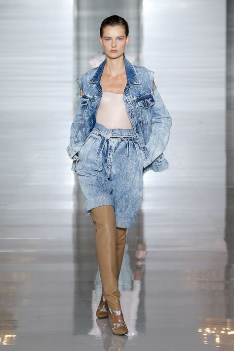 Super Skinny Jeans Balmain Spring Summer 2019 Ready-to-Wear Womens Collection. Super Skinny Jeans Balmain Spring Summer 2019 Ready-to-Wear Womens Collection