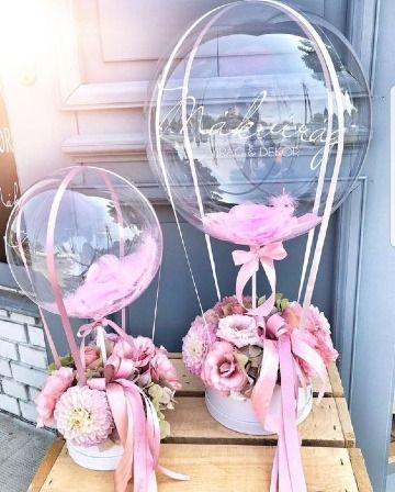 Look at these pretty flower-balloon arrangements! Look at these pretty flower-balloon arrangements! Look at these pretty flower-balloon arrangements!