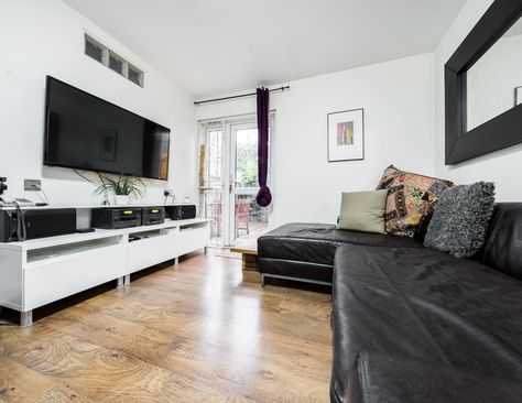 Modern 2 Bedroom Flat With Garden Centrally Located Near Old Street Home Places Airbnb
