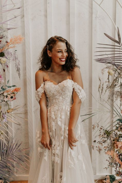 Modern + Romantic Wedding Inspiration in Minimal Ranch Home|a&bé bridal shop - - A look at the best romantic wedding dresses of from top wedding dress designers including Made With Love, Vagabond, Alyssa Kristin, Madi Lane, and more. French Wedding Dress, Best Wedding Dresses, Dress Wedding, Romantic Wedding Inspiration, Wedding Ideas, Wedding Decorations, Dusty Blue Bridesmaid Dresses, Traditional Indian Wedding, Marie