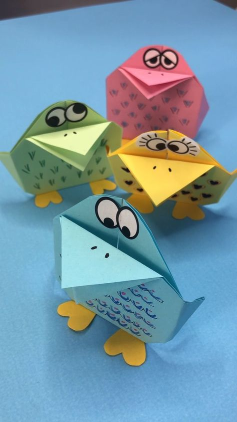 Easy Origami Bird for Kids. Need Paper Bird Craft Ideas? Take a look at these art paper birds. Based on an easy Origami Bird Pattern. Fun Paper Easter Decor. FIND OUT OUT Paper Bird - no templated needed! #PaperBird #Template #forkids #origami #diy #turorial