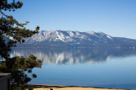 10 lakeside hotels