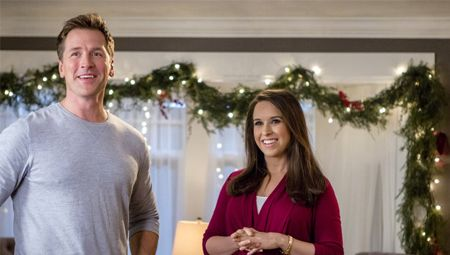 Its A Wonderful Movie Your Guide To Family And Christmas Movies On Tv Hallmark Channel S A Hallmark Christmas Movies Christmas Movies Christmas Movies List