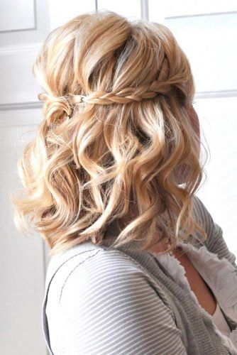Amazing Prom Hairstyles For Short Hair 2018 See More Http Glaminati Com Gorgeo Prom Hairstyles For Short Hair Short Wedding Hair Medium Length Hair Styles