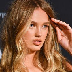 Volles Haar Dank Zwiebelsaft Laut Studie Funktioniert S Volleres Haar Haare Haare Pflegen