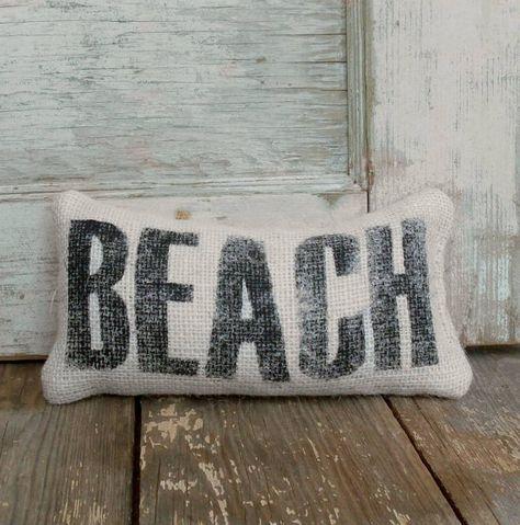Beach Hut Design  Blue /& White Coastal Nautical Seaside Door Stop
