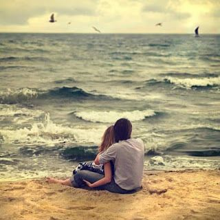 اجمل الصور الرومانسية للعاشقين مكتوب عليها اجمل كلام حب يلا صور Romantic Beach Photos Beach Pictures Friends Beach Pictures