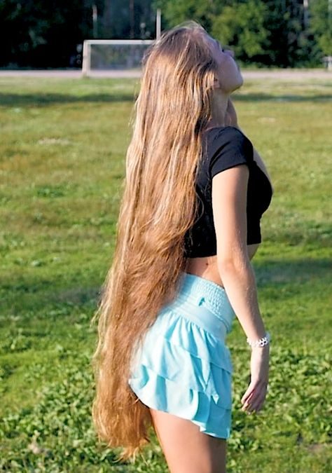 Aliia Nasyrova Real life Rapunzel - Long Hair Don't Care People with unusual hobbies often become the focus of numerous media and the general public, thanks to the Internet we get more and more acquainted with the strange world around us.