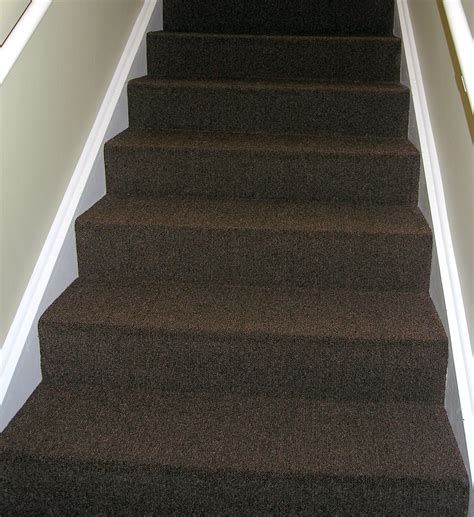 Best 5 Stairs Carpet Colour Stairs Stairsdesign Design Ideas In 2020 Carpet Stairs Carpet Colors Grey Carpet