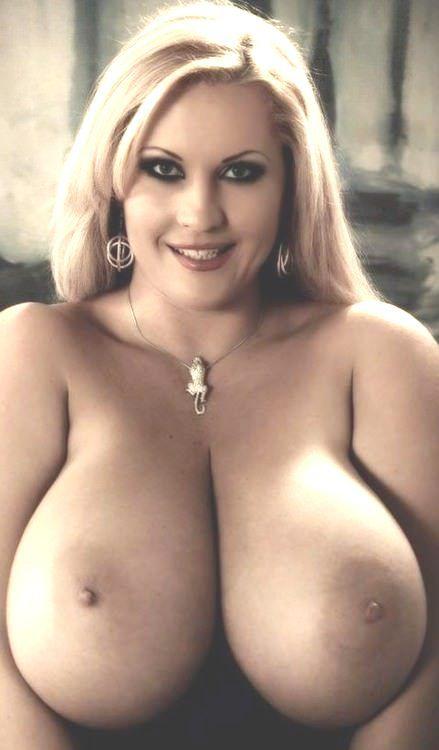 Voluptuous tits pics