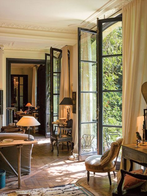 The co-founder of Bonpoint and Merci launches her latest venture from a cozy Paris home. The co-founder of Bonpoint and Merci launches her latest venture from a cozy Paris home. French Country Living Room, French Country Bedrooms, French Country Decorating, Country French, French Country Interiors, French Living Rooms, French Design Interiors, Spanish Style Interiors, Modern Country