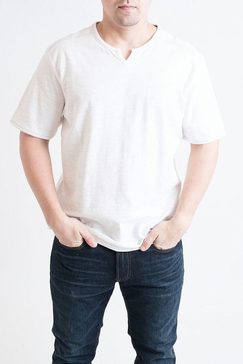 MENS: White Short Sleeve Notched Tee