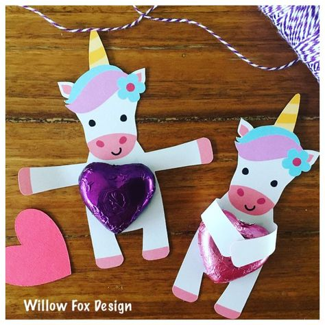 Unicorn candy hugger holder cardstock gift tag card Lolly party Sanqunetti Desig