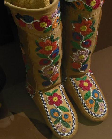 Ojibwe Beadwork Patterns | Beadwork on mocs. Maybe Cree or Ojibwe...