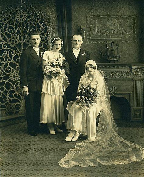 Instant Download Estimated 1910s vintage photo picture of wedding bridal party Printable Vintage art