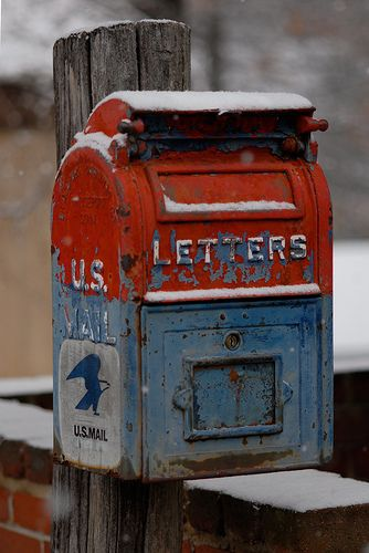 Old US Mailbox geocache, awesome! Cool letterbox hybrid idea.