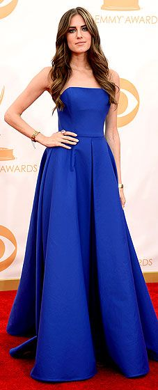 Allison Williams wore a royal blue strapless ballgown by Ralph Lauren Collection at the 2013 Emmy Awards
