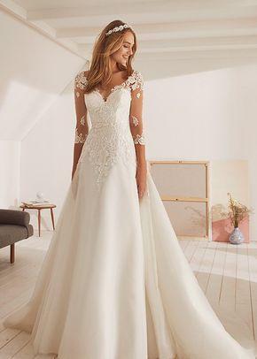 OBELISCO Ball Gown Wedding Dress by White One - WeddingWire.com