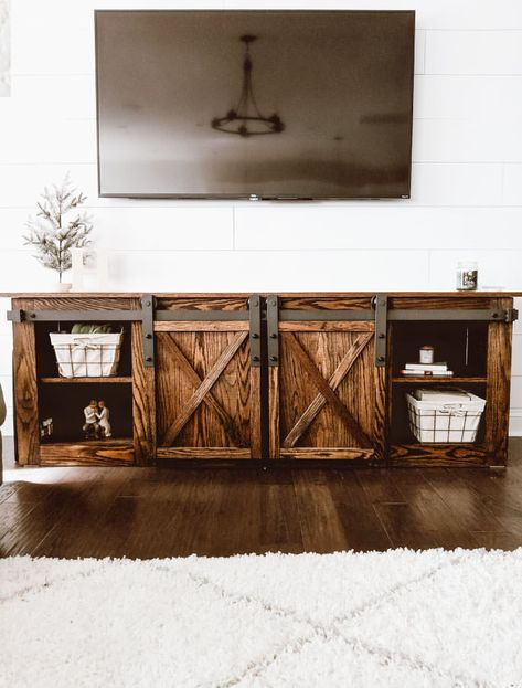 Home Decor Farmhouse DIY Farmhouse TV Console with Sliding Barn Doors - Crafted by the Hunts.Home Decor Farmhouse DIY Farmhouse TV Console with Sliding Barn Doors - Crafted by the Hunts Farmhouse Furniture, Tv Console, Farmhouse Furniture Plans, Diy Home Decor, Farmhouse Diy, Diy Door, Door Crafts, Tv Furniture Plans, Diy Sliding Barn Door