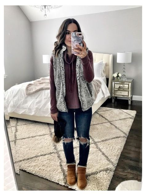 Jeans Outfit Winter, Outfit Jeans, Fall Winter Outfits, Black Vest Outfit, Winter Layering Outfits, Early Spring Outfits, Geek Outfit, Ugg Boots Outfit, Winter Clothes