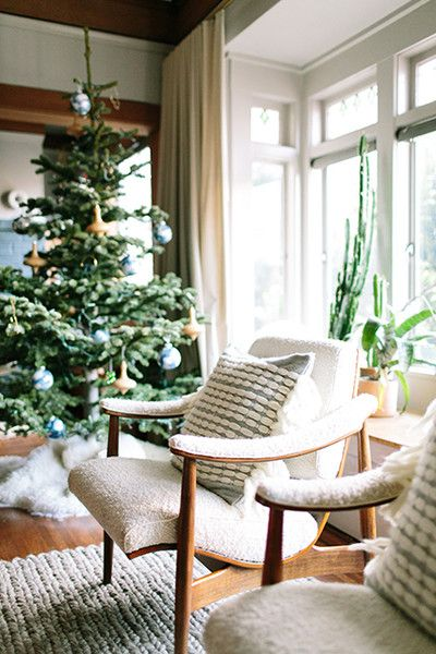 White On White - How Lonny Editors Decorate Their Homes For The Holidays - Photos