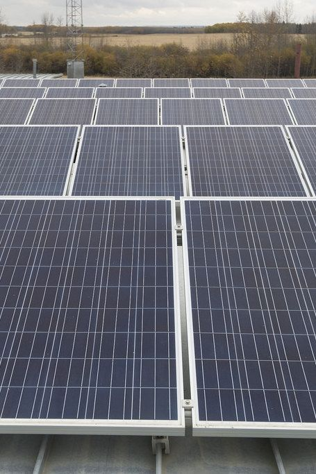 Green Renewables And Solar Energy Solar Energy 1 Mw Cost Choosing To Go Environment Friendly By Convertin Solar Panels Solar Energy For Home Renewable Solar