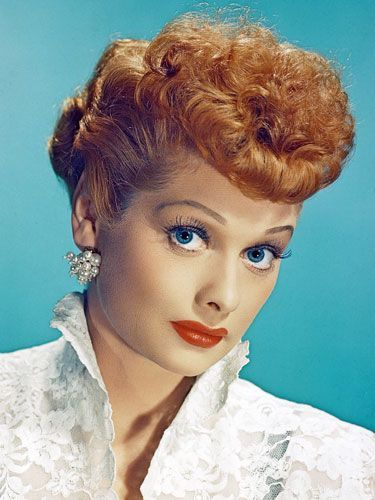 Haha How To Get Makeup Like Lucille Ball S On I Love Lucy For Fun Or Halloween Etc I Know Someone Who D Like This 1950s Hairstyles Love Lucy Lucille Ball