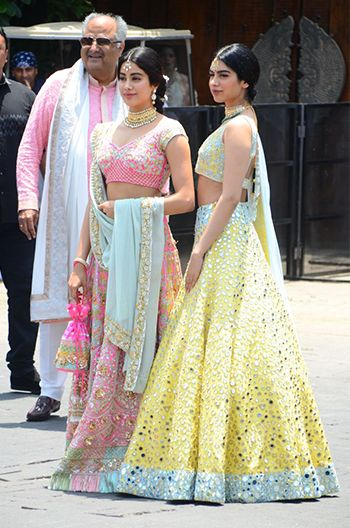 Who Wore What To Sonam Kapoor And Anand Ahuja S Wedding Sangeet Hauterfly Indian Wedding Dress Indian Designer Outfits Indian Wedding Outfits