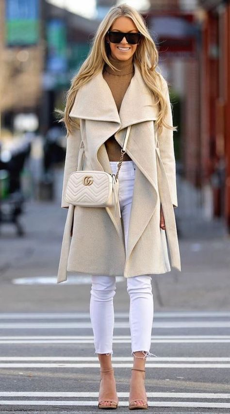 40 Best Autumn Winter Fashion Trends For 2019 - List Inspire Source by listinspire fashion ideas