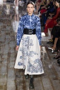 Christian Dior Resort 2019 Paris Collection - Vogue  Look 43 Model: Lucie Morat
