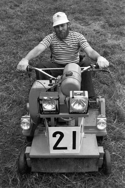 Photograph Motor Racing Lawn Mower Racing 10 X8 Photo Print Made In The Usa In 2020 With Images Lawn Mower Racing Lawn Mower Mower